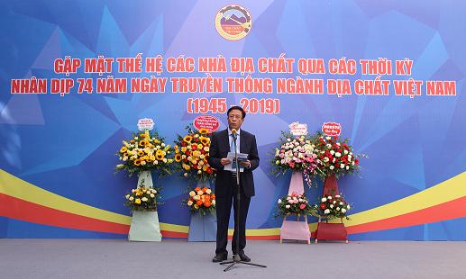 Tổng Cục trưởng Tổng cục ĐC&KS VN, Chủ tịch Tổng hội Địa chất Việt Nam PGS.TS Đỗ Cảnh Dương phát biểu tại buổi Lễ